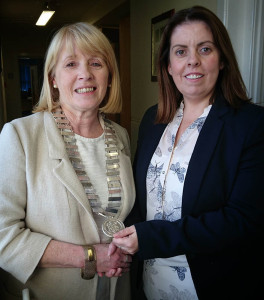 Ms Bernie Mulhern receiving Chain of Office of newly appointed Chairperson of Donegal ETB with outgoing Chairperson, Ms Joanne Irwin, Staff Representative following Meeting of Donegal ETB on 12th October 2015.
